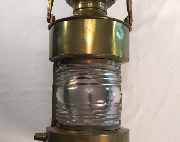 Large brass Robert Findlay Mfg. nautical ship lantern clear fresnel glass lens circa around 1915-30s