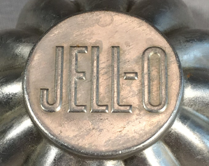 Individual Serving Jell-o Branded Scalloped Aluminum Molds, Lot of 15