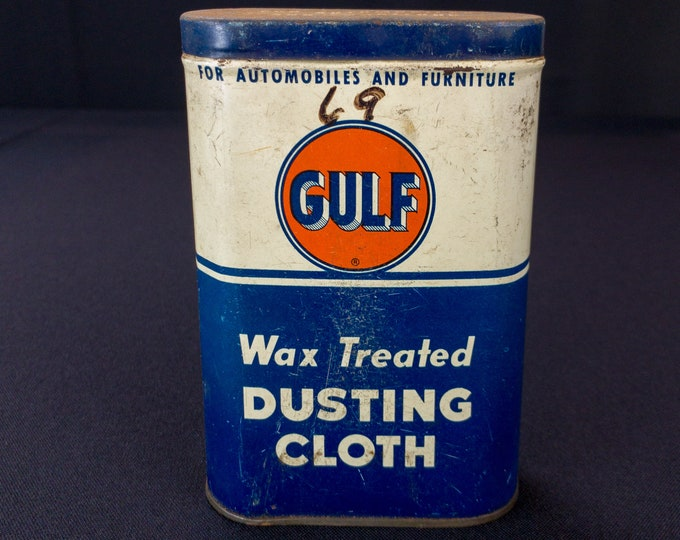 Vintage 1940s-50s Gulf Oil Tire Supply Company Dusting Cloth Tin With Cloth