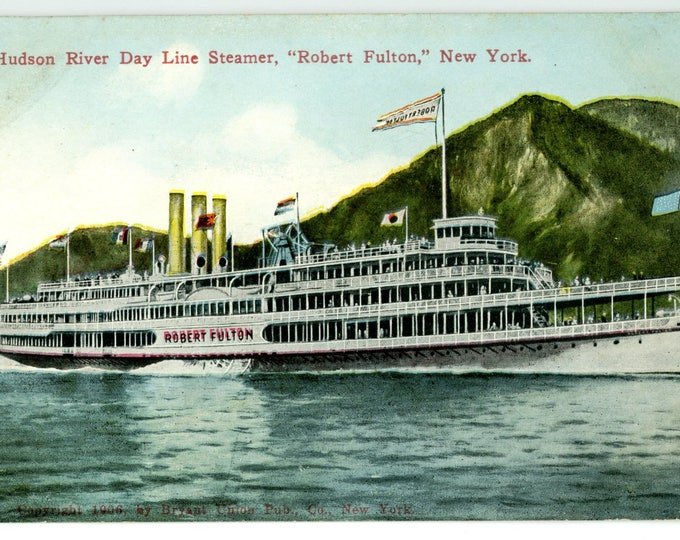 """Hudson River Day Line Steamer, """"Robert Fulton,"""" New York 1910s-20s Post Card by Success Post Card Co., Publ., New York No. 1095"""