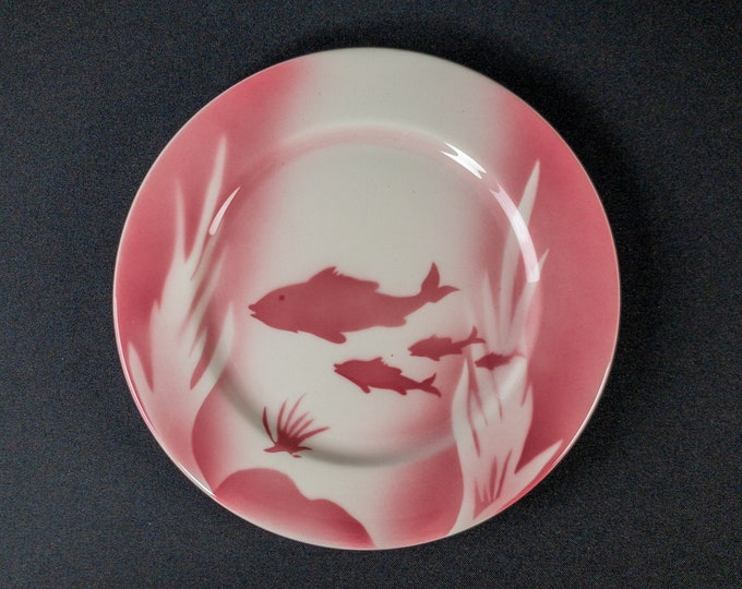 """Shadowtone Stencil Airbrush Pink Fish Bowl Seafood Pattern 9"""" Plate Restaurant Ware by Syracuse China 1970s"""