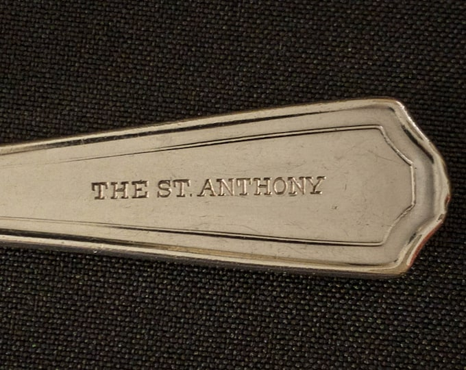 """The St Anthony Hotel San Antonio 7-1/2"""" Silverplate Tablespoon By International Silver"""