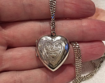 Gorgeous Vintage Sterling Silver HEART LOCKET-Beautifully Engraved Front-Comes on Sterling Silver ITALIAN Curb Chain-45cm-17.75 Inches