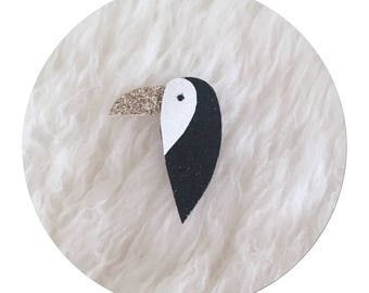 """brooch glitter """"toucan"""" in white, black and gold sequined micro canvas"""