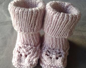 Handmade knit baby Bootie