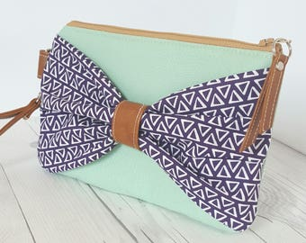 Bow Wristlet - Purple Sage Green Wristlet Wallet - Bow Bag - Womens Wallet - Faux Leather - Small Crossbody - Phone Wallet - Wristlet Purs