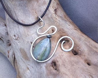 Celtic, elven, ethnic necklace made of stainless steel and labradorite