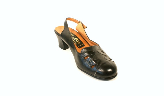 Vintage 70s style black leather shoes