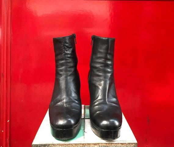 Varda black leather platform boots