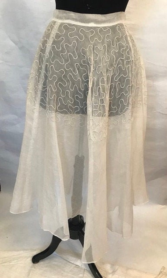 50's white organza open skirt w/ chord design fron
