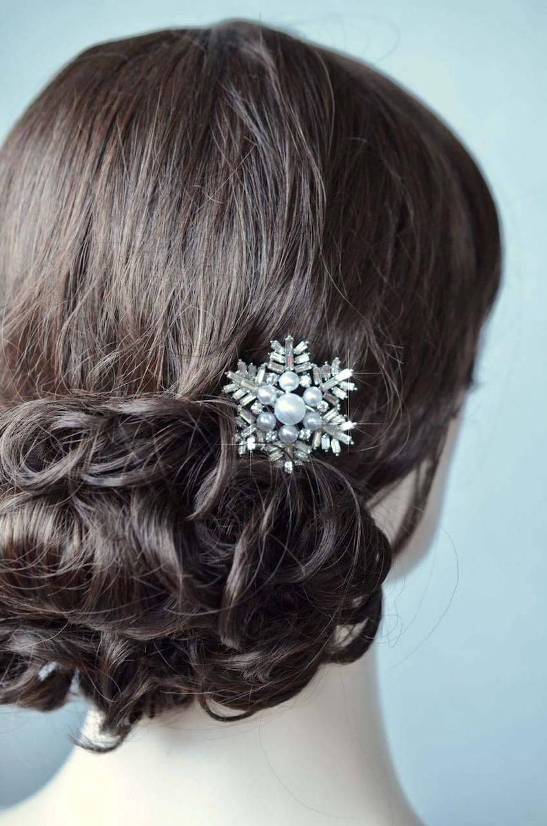 Pearl-868 Handmade Fancy Cut Crystal Rhinestone and Pearl Bridal Snowflake Hair Clip Wedding Bridal