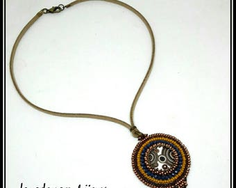 Necklace to embroidery
