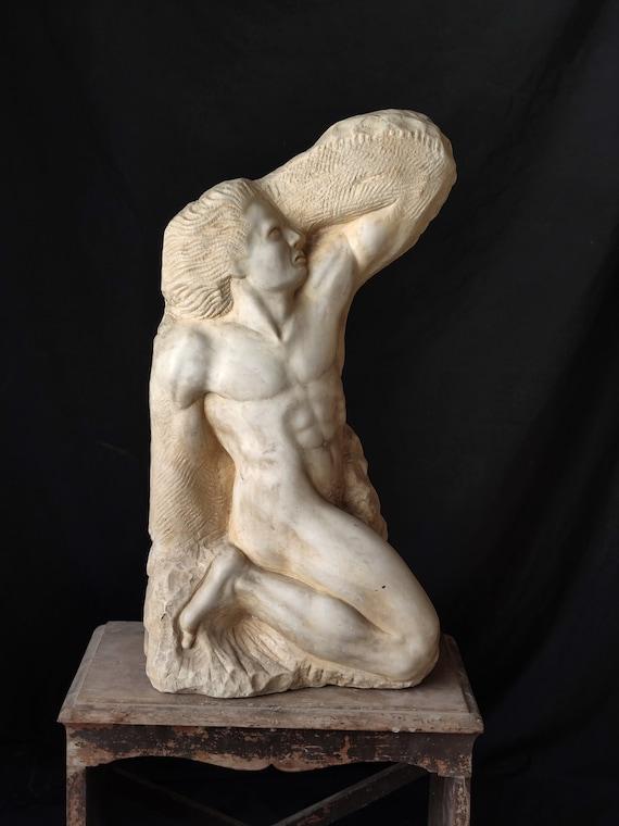 Prigione, scultura in marmo