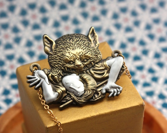 Nabeshima Vampire Cat Necklace (bakeneko - japanese folk tale)