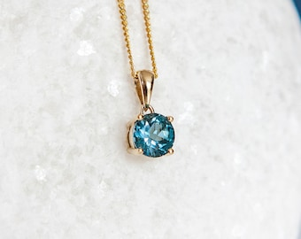 Personalised 9ct Yellow Gold Blue Topaz December Birthstone Pendant Necklace