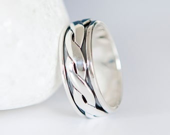 S | 9 1/8 | 60 Personalised Sterling Silver Celtic Spinner Ring