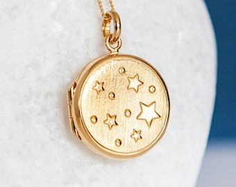 Personalised Yellow Gold Embossed Stars Locket Pendant Necklace