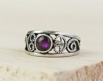 Lilith * Celtic Ring * Sterling Silver * Celtic Birthstone Ring * Celtic Knot * Irish Ring * Celtic Knot Jewelry * Birthstone Ring *