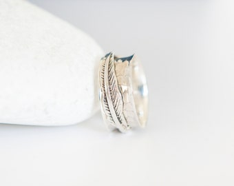 UK O | 7US | EU55 Sterling Silver Feather of Freedom Spinning Ring