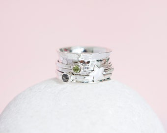 Sterling Silver Star Spinner Ring with Peridot and Moonstone
