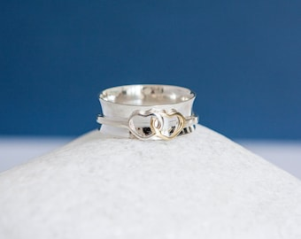 UK S | 9US | EU60 Sterling Silver Linked Hearts of Love Spinner Ring