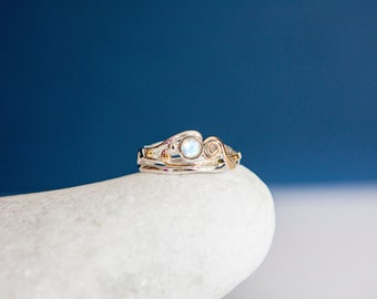 UK P | 7.5US | EU56 Sterling Silver Ring with Rainbow Moonstone Gemstone and Gold Wire
