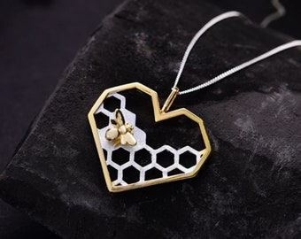 Personalised Honeycomb Bee Necklace * Sterling Silver * Bumble Bee Gift * Worker Bee Jewelry * Honey Bee * Manchester Bee * Bee Pendant *