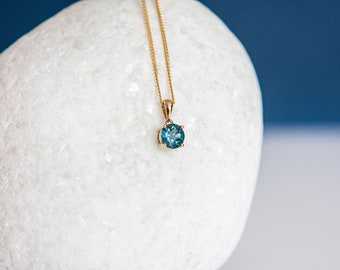 Solid 9ct Yellow Gold December Birthstone London Blue Topaz Pendant Necklace