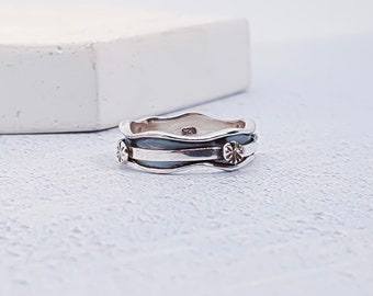 Personalized Sterling Silver Spinner Ring for Women * Slim Band * Custom Thumb Ring * Flower Pattern * Oxidised *