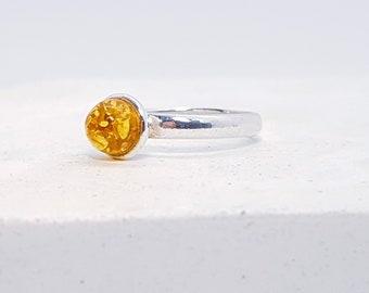 UK L Amber Ring * Sterling Silver * Celtic Birthstone Ring * Celtic Knot * Irish Ring * Celtic Knot Jewelry * Birthstone Ring *