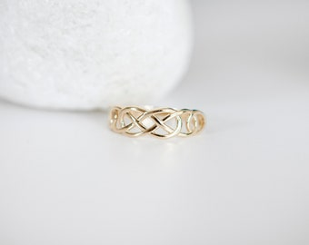 Solid 9ct Yellow Gold Celtic Band Ring