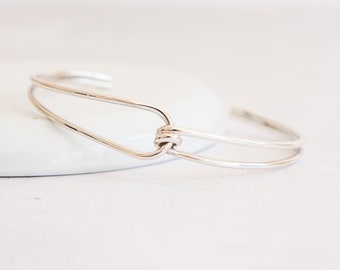 Personalised Friendship Knot Bracelet* Sterling Silver * Tie The Knot * Friendship Bracelet * Friendship Gift * Love Knot * Knot Bangle *