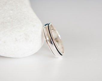 Sterling Silver Slim Band Spinner Ring