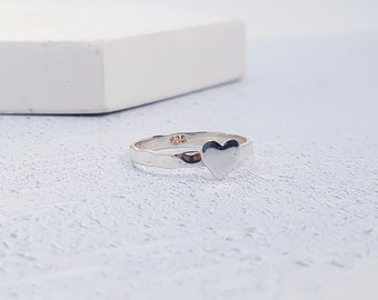 UK P / US 7.5 Silver Heart Stacking Ring * Sterling Silver * Slim Ring * Band Ring * Minimalist * Dainty * Hammered