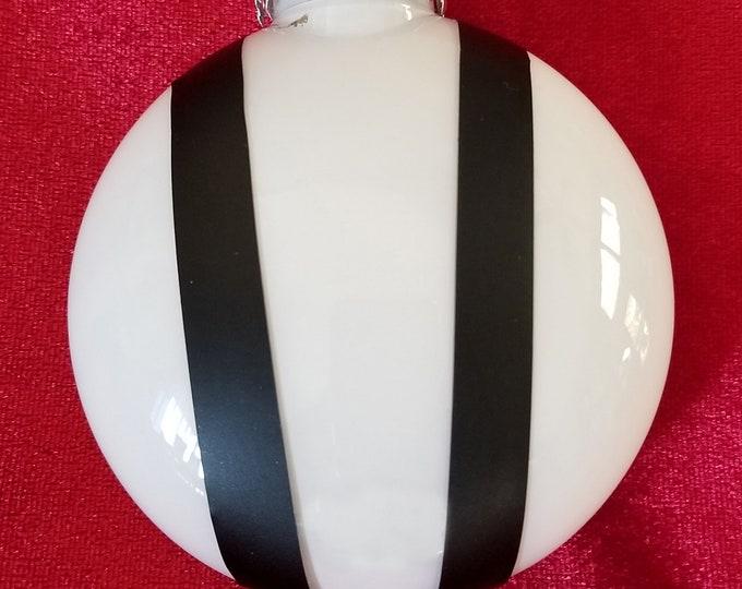 Bonnet ornament-Pepper White