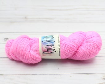 100% super wash  4 ply fingering merino pink  yarn