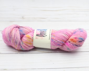 variegated pastel speckled soft hand dyed yarn 100% merino single ply super wash
