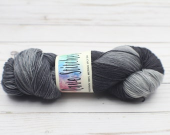 100% super wash black grey 4 ply fingering merino yarn