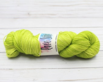 100% super wash green tonal 4 ply fingering merino yarn