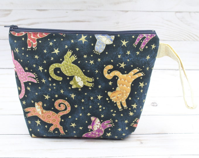 zipper pouch with sparkly fabric and cats  9.5x7 inches .