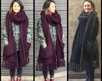 Chunky knit scarf, oversized knit scarf, winter scarf, big scarf, chunky scarf with pockets, oversized scarf with pockets