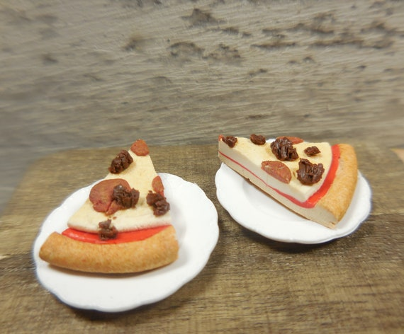 Handcrafted Slice of Pizza on Red /& White Check Paper Plate Dollhouse Miniatures
