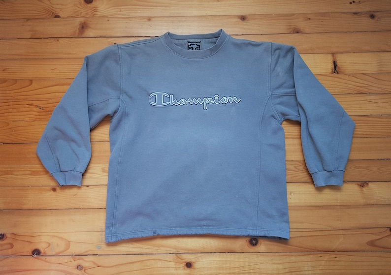 3fe2249a380 Vtg CHAMPION distressed sweatshirt 80s 90s Hip hop Rap
