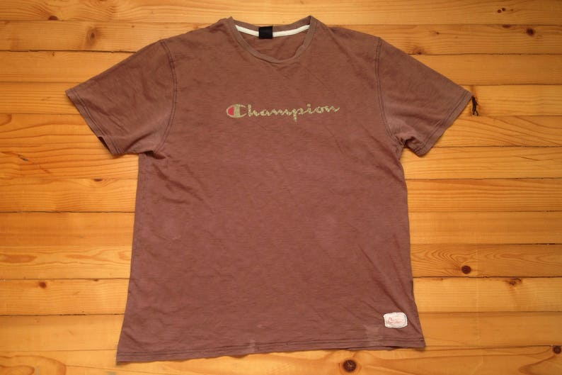 82403f5464c Vtg CHAMPION distressed t-shirt tee shirt 80s 90s Hip hop