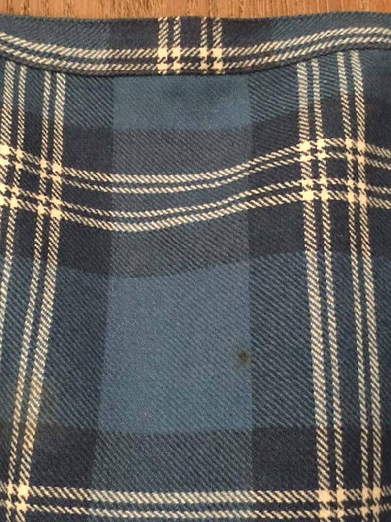 Blend Tartan-Style Plaid Blue-White Wool Vintage 1960s Kilt Wrap Skirt with Pin