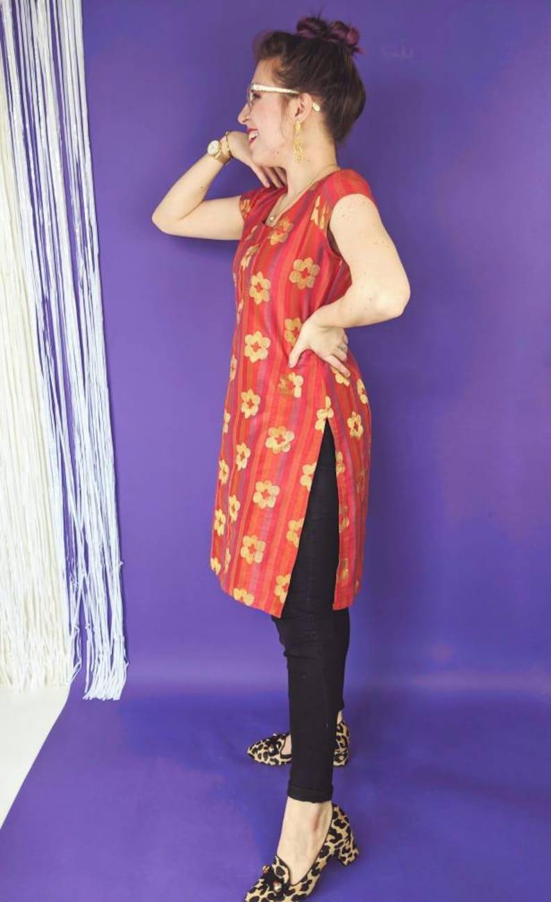 Vintage INDIAN Dress in Red /& Gold Short Sleeve Gold Floral Pattern Kameez Tunic w Side Slits 90s Metallic Flower Daisy Green Purple XL