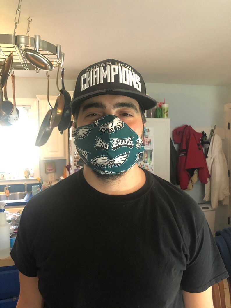 Mens mask with filter pocket and nose wire image 0