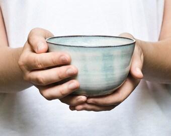 Blue shimmering ceramic bowl / bowl for breakfast, snacks or soup / cereal bowl, tea bowl, soup bowl potted
