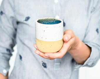 Minimalist mug in blue and white // handmade cup with white glaze and small dots // ceramic cup in modern design