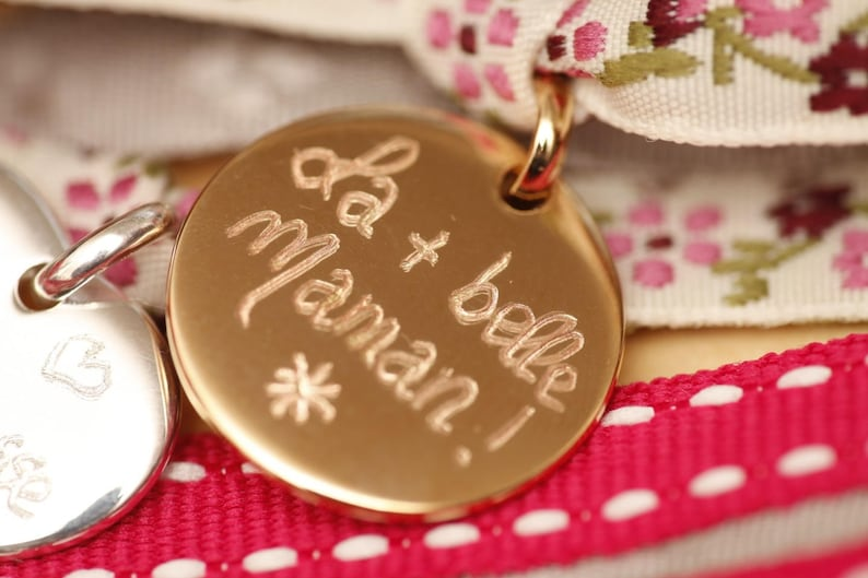 beautiful MOM! Beaded round pastille plated engraved gold medal La